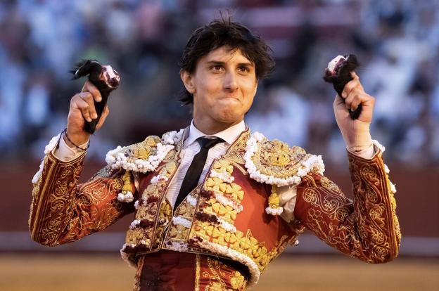 TOROS. Crónica de la corrida de Sevilla